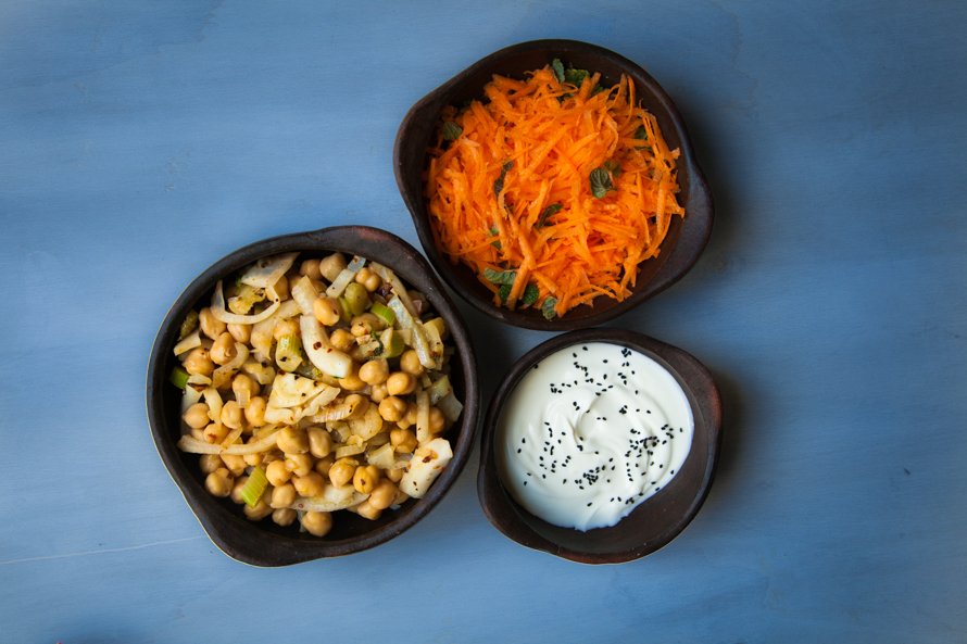 spicy chickpeas, grated carrot and yoghurt
